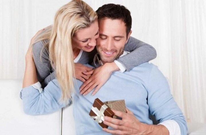 أفكار رومانسية لاستقبال الزوج بعد الدوام