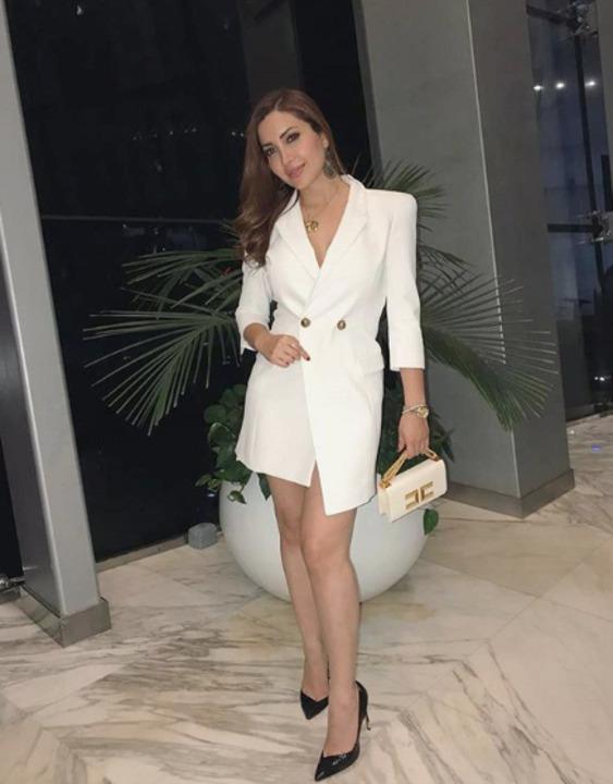 أفكار لتنسيق فستان البليزر من نسرين طافش وسيرين عبد النور