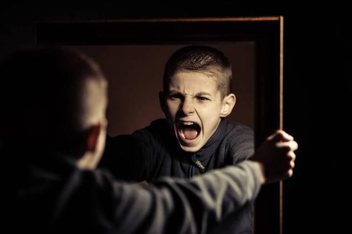 تغييرات واضحة في سلوك المراهق تدعو إلى التدخل السريع