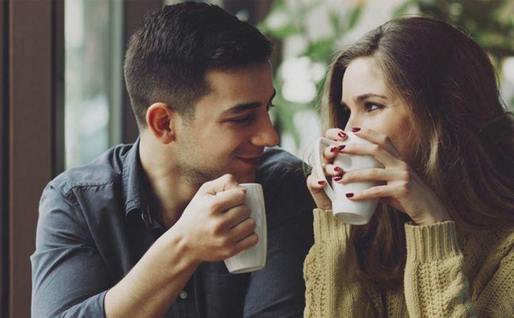كيف اعرف ان شخص يحبني من تصرفاته؟