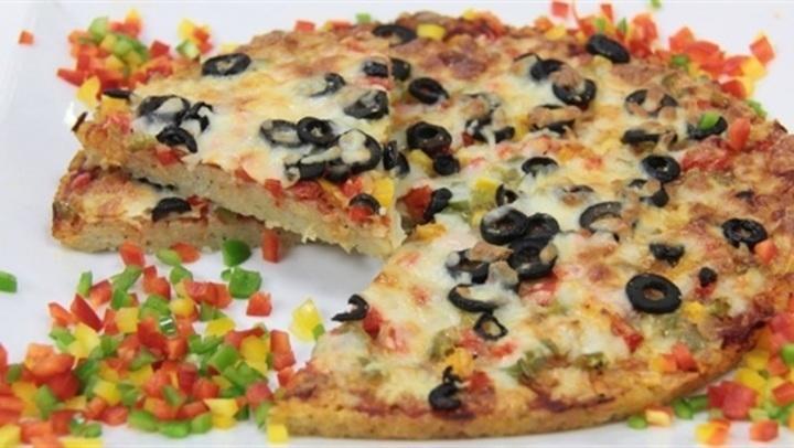 جددي سفرتك.. طريقة عمل بيتزا الأرز