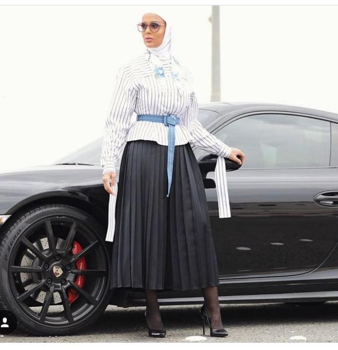 كيف تبرزين جمال خصركِ بالملابس على طريقة مرمر محمد؟