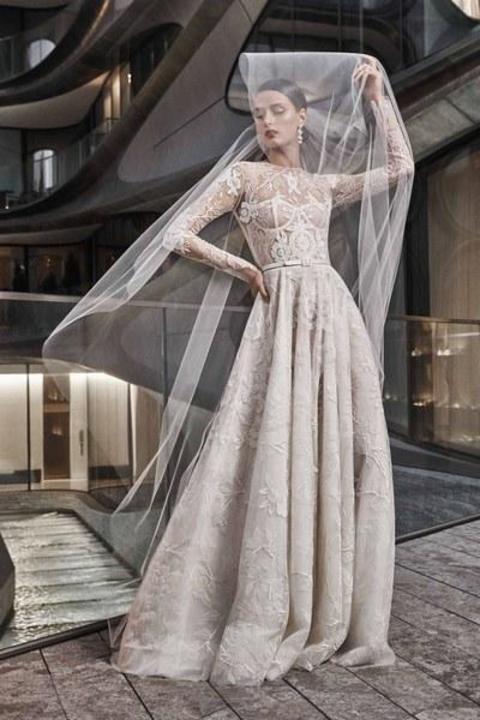 a2043b44a أجمل فساتين زفاف لعروس 2018