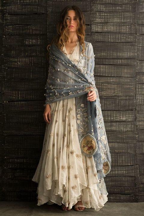 سحر الموضة في الملابس الهندية والباكستانية...فهل يمكنك إرتدائها؟؟