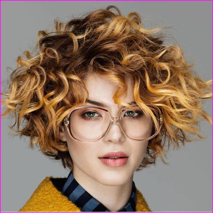 تسريحات شعر قصير للمناسبات
