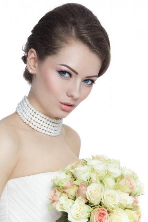 للعروس، تخلصي من الهالات السوداء والانتفاخ تحت العين