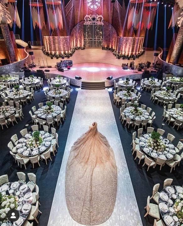 إطلالة سيرينا مملوك في زفافها رسالة وطنيّة وترنيمة حب