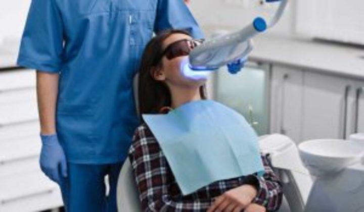 اضرار تبييض الأسنان