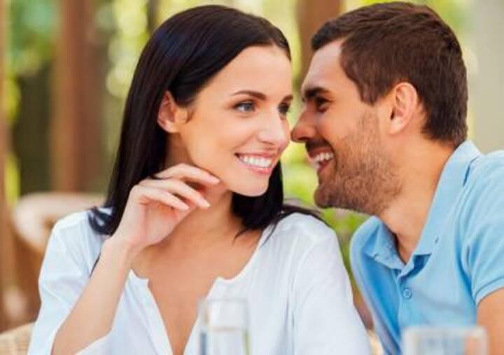 8 أسباب تجعل النساء يتحدثن أكثر من الرجال