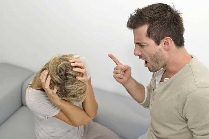 دلائل على أن شريكك مريض نفسيًا