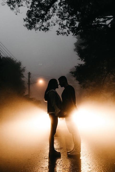 هل الزواج غير الشرعي حل لإخماد الحب؟