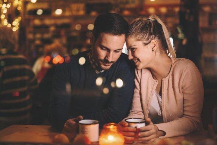 كيف تفرق المرأة بين حبها للرجل والإعجاب به
