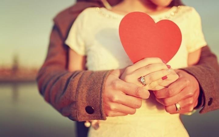 أفضل 10 عبارات حب يمكن إهداؤها لشريك الحياة في الفالنتاين
