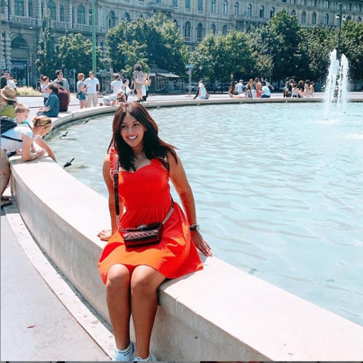 على الموضة.. 15 صورة تكشف أناقة إطلالات نيرمين ماهر فى عيد ميلادها