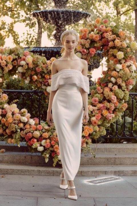 أحدث موديلات فساتين زفاف عمودية خريف 2020