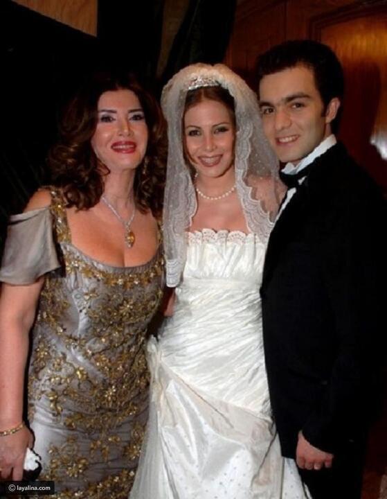 صور: فساتين النجمات في زفاف بناتهن رقم 17 اختارت فستان أصغر من عمرها