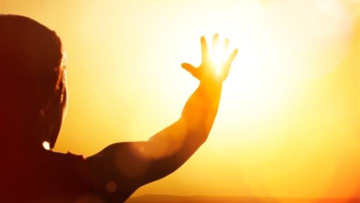 في 5 خطوات.. احمي نفسك من ضربة الشمس