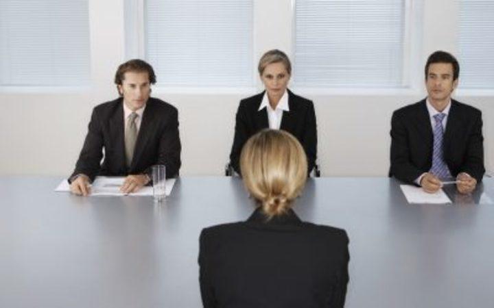أشهر 4 أخطاء يقع فيها الناس خلال مقابلة العمل، تجنبها بعد الآن