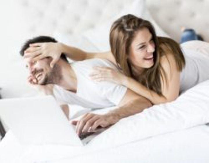 لهذه الأسباب يحبّ الرجل الجنس الفموي!