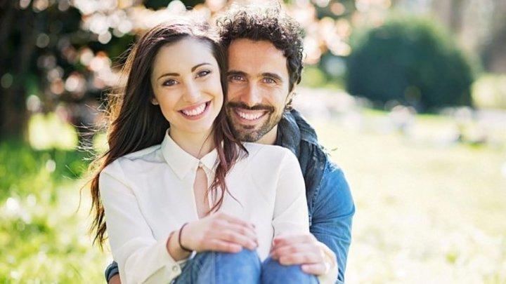 الآثار الإيجابية لقوة الشفافية بين الزوجين في الحياة الزوجية