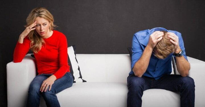 أسوء 10 أوقات للتحدّث مع شريكك