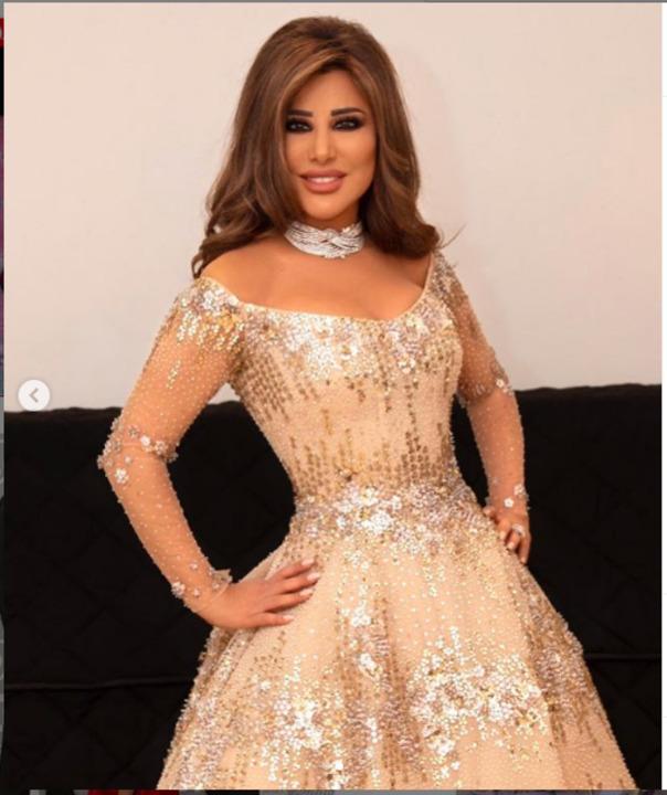بفستان رائع .. نجوى كرم تستعرض أناقتها بإطلالة ساحرة في عمان .. صور