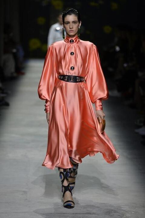 ألوان تسيطر على الموضة في 2020.. اختاري منها ما يناسبكِ