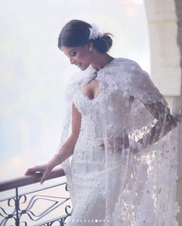 في عيد زواجهما الثاني: ريم السعيدي تعيد نشر صور حفل زفافها
