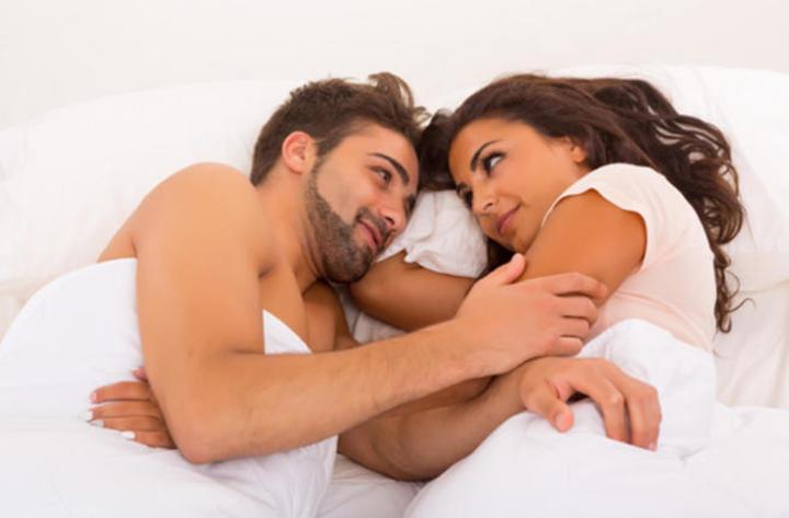 عشر طرق للمداعبة يحبها زوجك قبل ممارسة العلاقة الحميمة