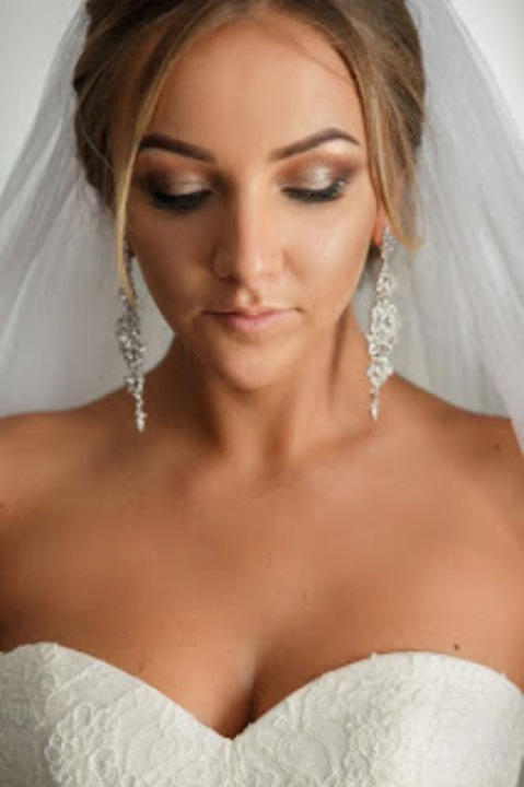 مكياج ترابي للعروس مناسب لكل ألوان البشرة