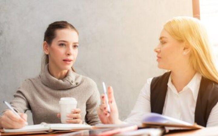 4 أسئلة لا تطرحها على الآخرين مهما كانوا مقربين منك لأنها تسبب لهم الإحراج والضيق