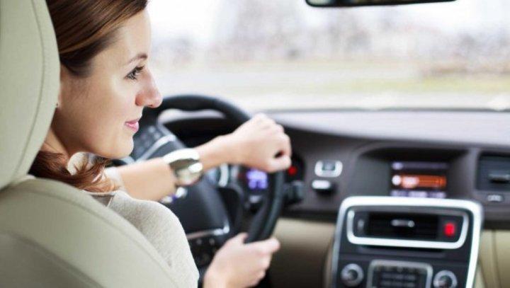 أساليب حماية الشعر للمرأة السعودية التي تقود السيارة