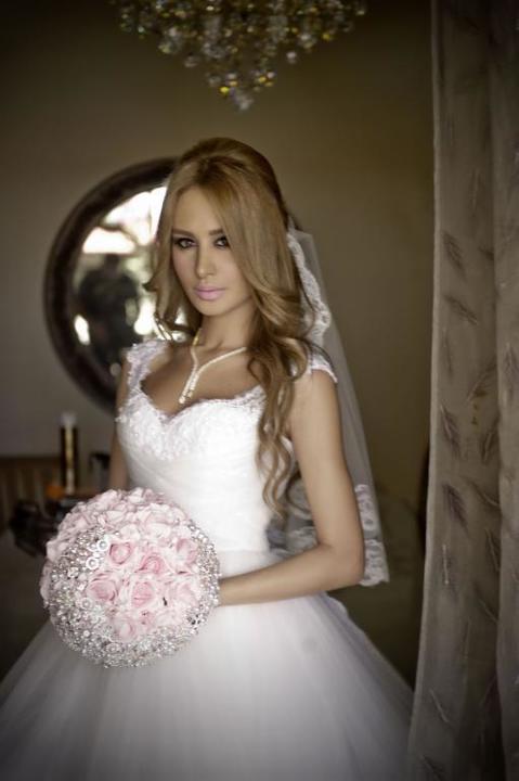 أعراس المشاهير العرب في شهر آب