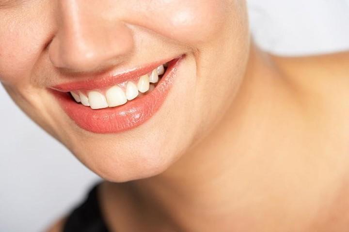 خلطات تبييض سواد زوايا الفم مع هذه المكونات قليلة التكلفة