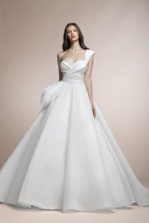 اكتشفي فساتين زفاف بلوم باي إسبوزا 2020