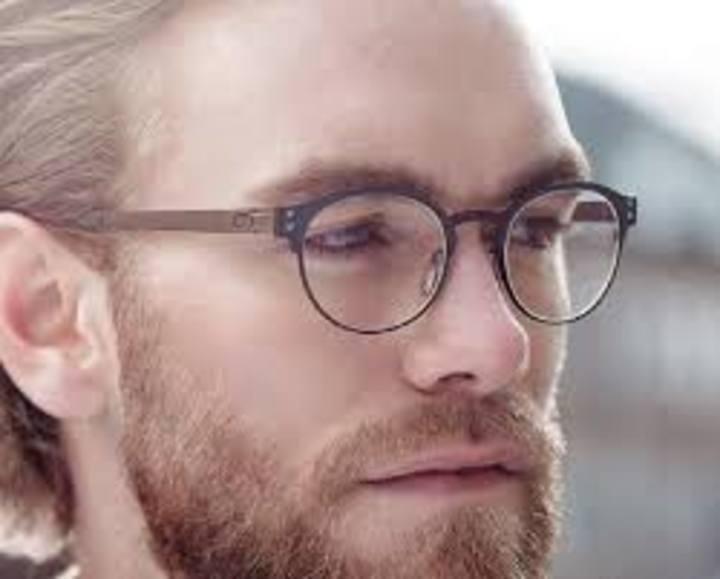 سلبيات النظارات الطبية وما هي أنواعها و بدائل النظارات الطبية