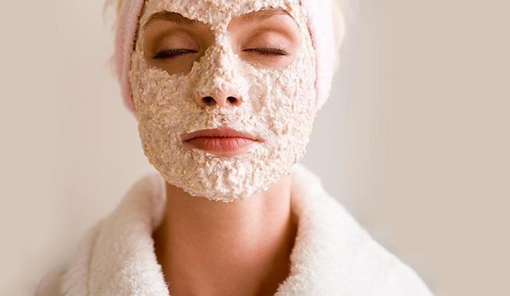 خلطات طبيعية: تقشير الوجه في الشتاء بدقائق