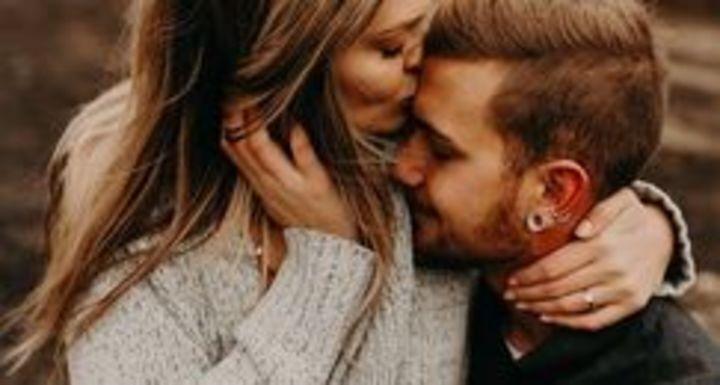 الشخص الذي يستحق حبكِ.. تعرفي عليه