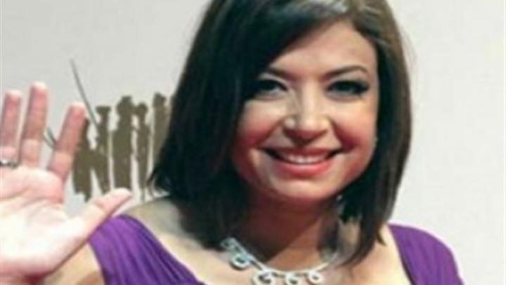 بـ فستان أخضر شيفون.. منال سلامة تتألق في مهرجان الإسكندرية السينمائي