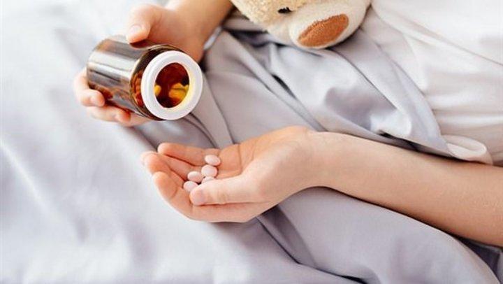 نزلات البرد والتهاب الحنجرة.. امتنعوا عن إعطاء المضادات الحيوية لـ الأطفال