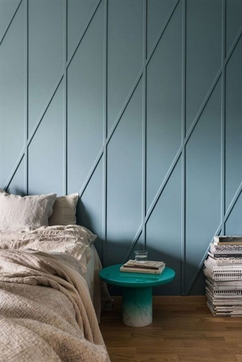 كيف يمكن أن تجدّدي تصميم جدرانك؟ اعتمدي على الديكورات الخشبية