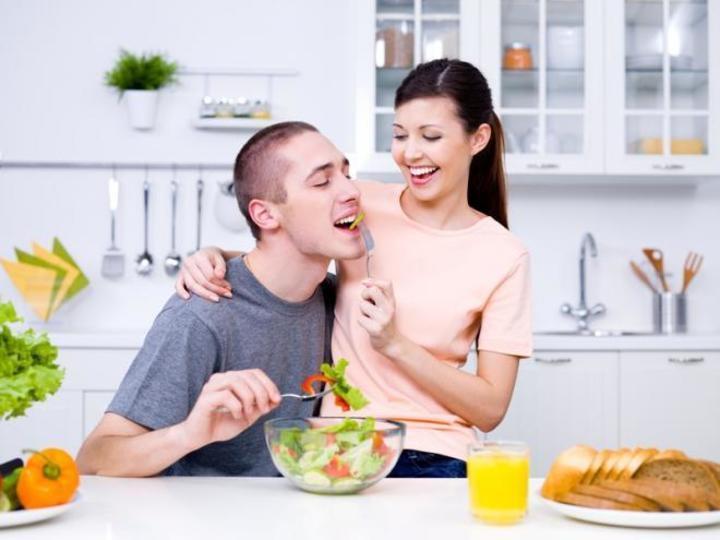 7 طرق للحفاظ علي الرومانسية في العلاقة الزوجية