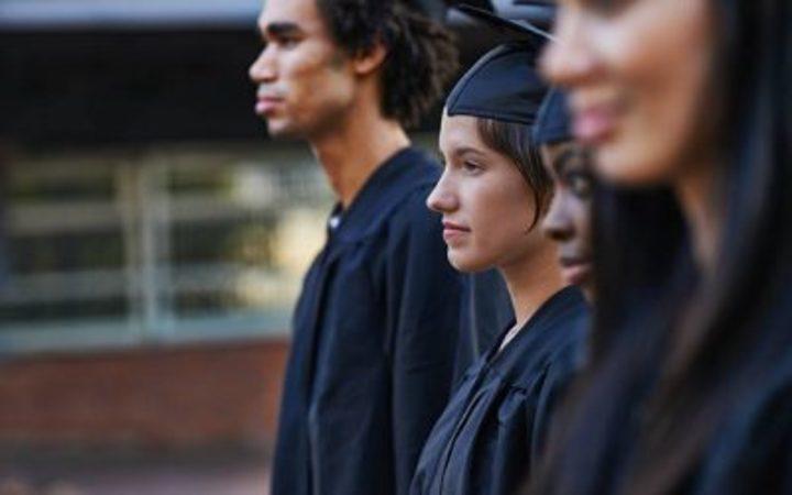 أسوء 4 تخصصات جامعية يجب عليك تجنبها وعدم اختيارها لهذه الأسباب