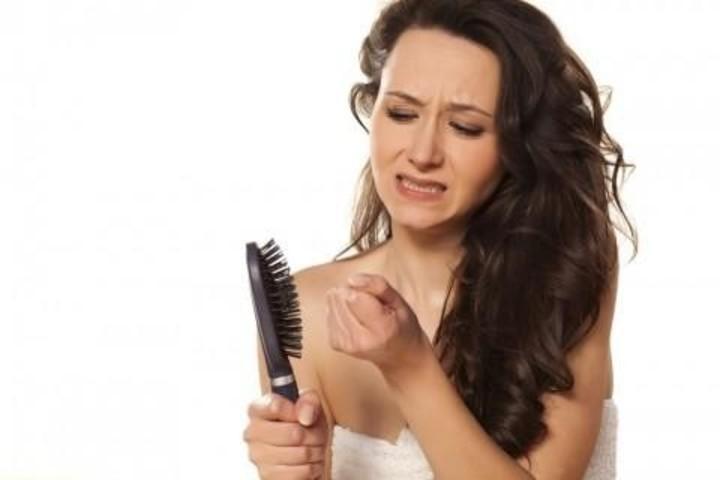 خلطات لها مفعول السحر في حل كافة مشاكل الشعر