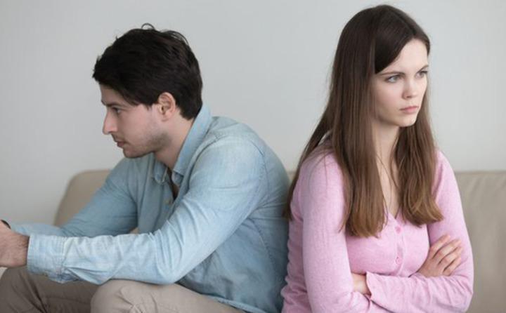 4 علامات تدل على أن زوجك لا يثق بنفسه!