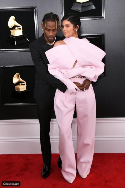 إطلالات استعراضية للنجمات في حفل جوائز Grammy 2019.. كاردي بي الأغرب