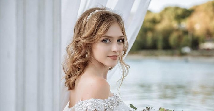 ماسك زيت جوز الهند لشعر لامع قبل الزفاف