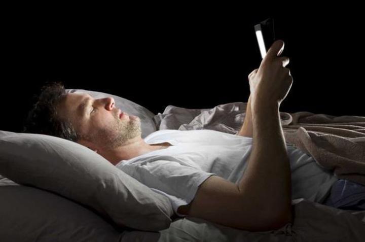 دراسة: التعرض للضوء الأزرق يخفّض مستويات ضغط الدم