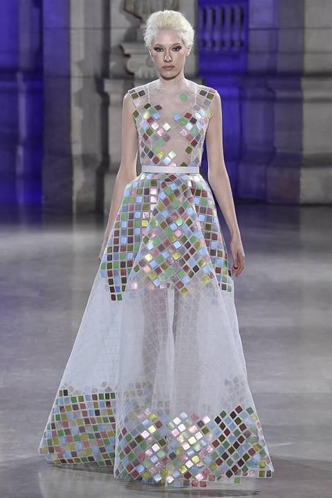 للعروس ووصيفاتها أجمل الفساتين من توقيع داني أطرش