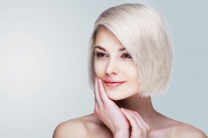 طريقة صبغ الشعر باللون الابيض الثلجي من الشعر الداكن